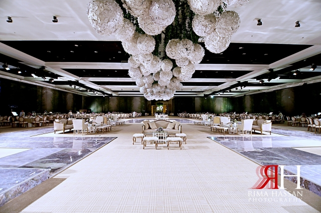 Al_Jawaher_Sharjah_Wedding_Female_Photographer_Rima_Hassan_kosha_tibru_stage_decoration_back