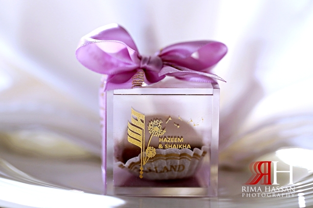 Al_Jawaher_Sharjah_Wedding_Female_Photographer_Rima_Hassan_kosha_tibru_stage_decoration_party_favor