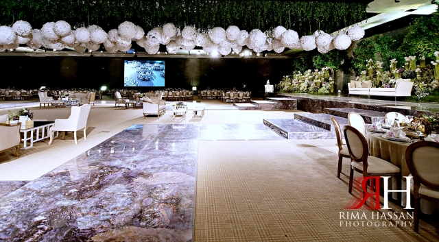 Al_Jawaher_Sharjah_Wedding_Female_Photographer_Rima_Hassan_kosha_tibru_stage_decoration_side