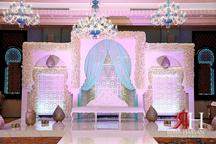 Al-Quoz_Engagement_Dubai_Female_Photographer_Rima_Hassan_stage_kosha_decoration