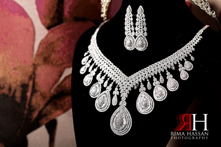 Grand_Hyatt_Dubai_Wedding_Female_Photographer_Rima_Hassan_bride_jewelry_necklace