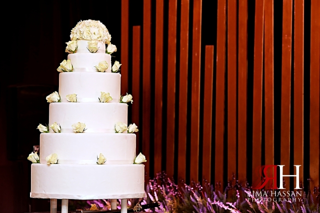 Grand_Hyatt_Dubai_Wedding_Female_Photographer_Rima_Hassan_kosha_stage_decoration_cake