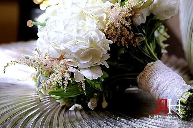 Jawaher_Sharjah_Wedding_Dubai_Female_Photographer_Rima_Hassan_bride_dream_bouquet