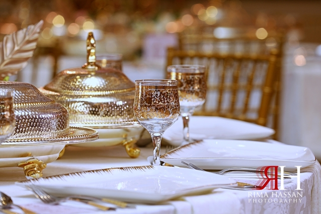Al_Twaar_Wedding_Dubai_Female_Photographer_Rima_Hassan_kosha_stage_decoration_table_ware