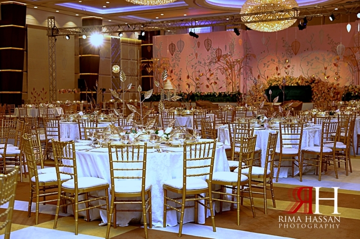 Al_Twaar_Wedding_Dubai_Female_Photographer_Rima_Hassan_kosha_stage_decoration_tables