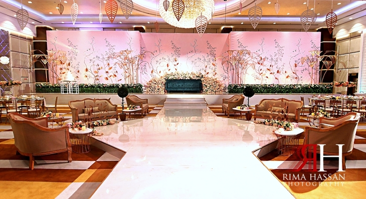 Al_Twaar_Wedding_Dubai_Female_Photographer_Rima_Hassan_kosha_stage_decoration_wish_events
