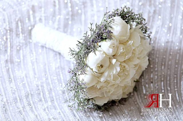 Grand_Hyatt_Wedding_Dubai_Female_Photographer_Rima_Hassan_bride_bouquet