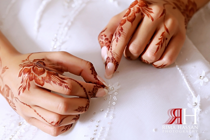 Grand_Hyatt_Wedding_Dubai_Female_Photographer_Rima_Hassan_bride_hand_henna