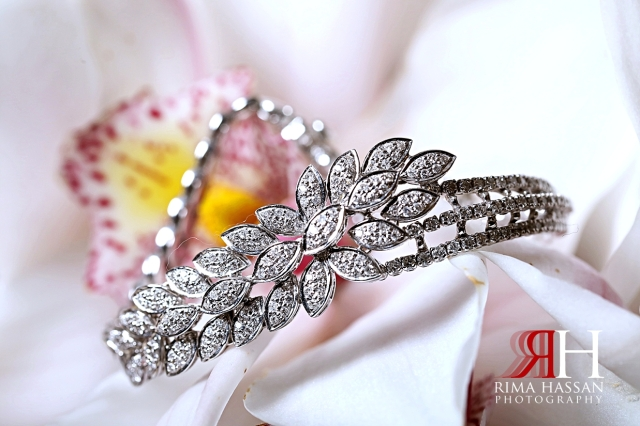 Grand_Hyatt_Wedding_Dubai_Female_Photographer_Rima_Hassan_bride_jewelry_bracelet