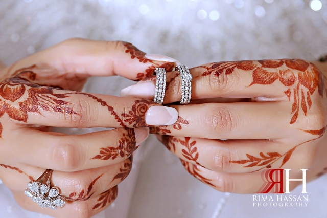 Grand_Hyatt_Wedding_Dubai_Female_Photographer_Rima_Hassan_bride_jewelry_ring_hands