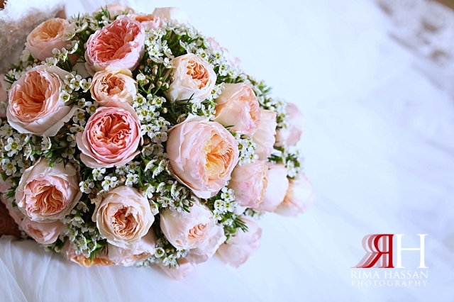 Jawaher_Sharjah_Wedding_Dubai_Female_Photographer_Rima_Hassan_bride_bouquet
