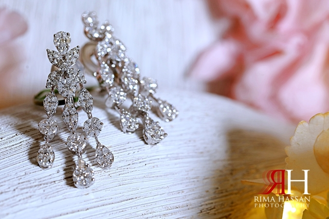Jawaher_Sharjah_Wedding_Dubai_Female_Photographer_Rima_Hassan_bride_jewelry_earrings