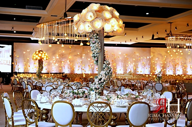 Jawaher_Sharjah_Wedding_Dubai_Female_Photographer_Rima_Hassan_kosha_stage_decoration_centerpiece_lights