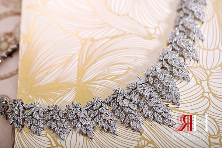 Palazzo_Versace_Dubai_Female_Photographer_Rima_Hassan_bride_jewelry_necklace