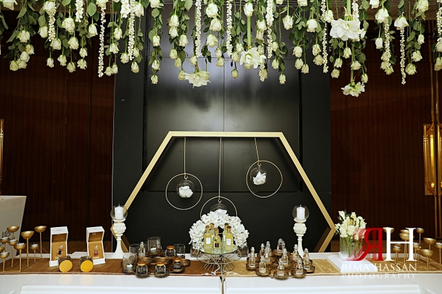 Grand_Hyatt_Wedding_Dubai_Female_Photographer_Rima_Hassan_decoration_perfume_table