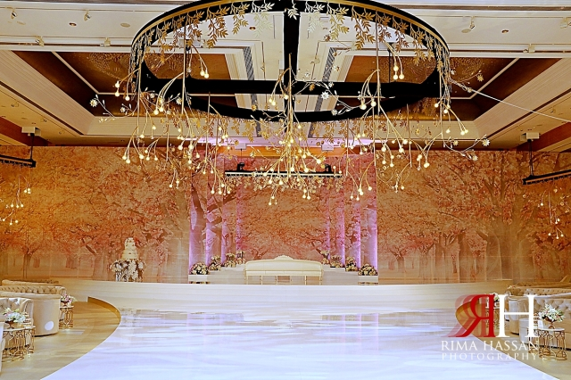 Grand_Hyatt_Wedding_Dubai_Female_Photographer_Rima_Hassan_kosha_stage_decoration_brides