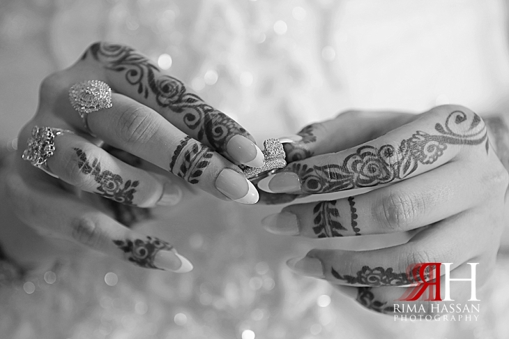 Mina_Salaam_Wedding_Dubai_Female_Photographer_Rima_Hassan_bride_henna_hands