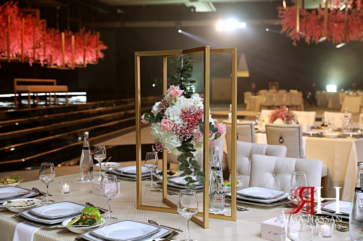 Jawaher_Sharjah_Wedding_Dubai_Female_Photographer_Rima_Hassan_stage_kosha_decoration_centerpiece