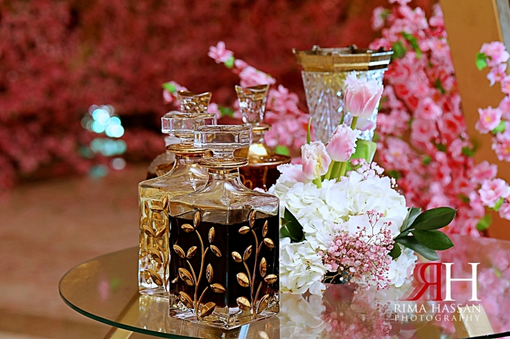 Jawaher_Sharjah_Wedding_Dubai_Female_Photographer_Rima_Hassan_stage_kosha_decoration_perfumes