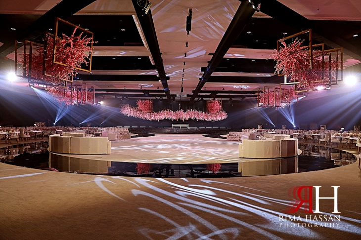 Jawaher_Sharjah_Wedding_Dubai_Female_Photographer_Rima_Hassan_stage_kosha_decoration_red