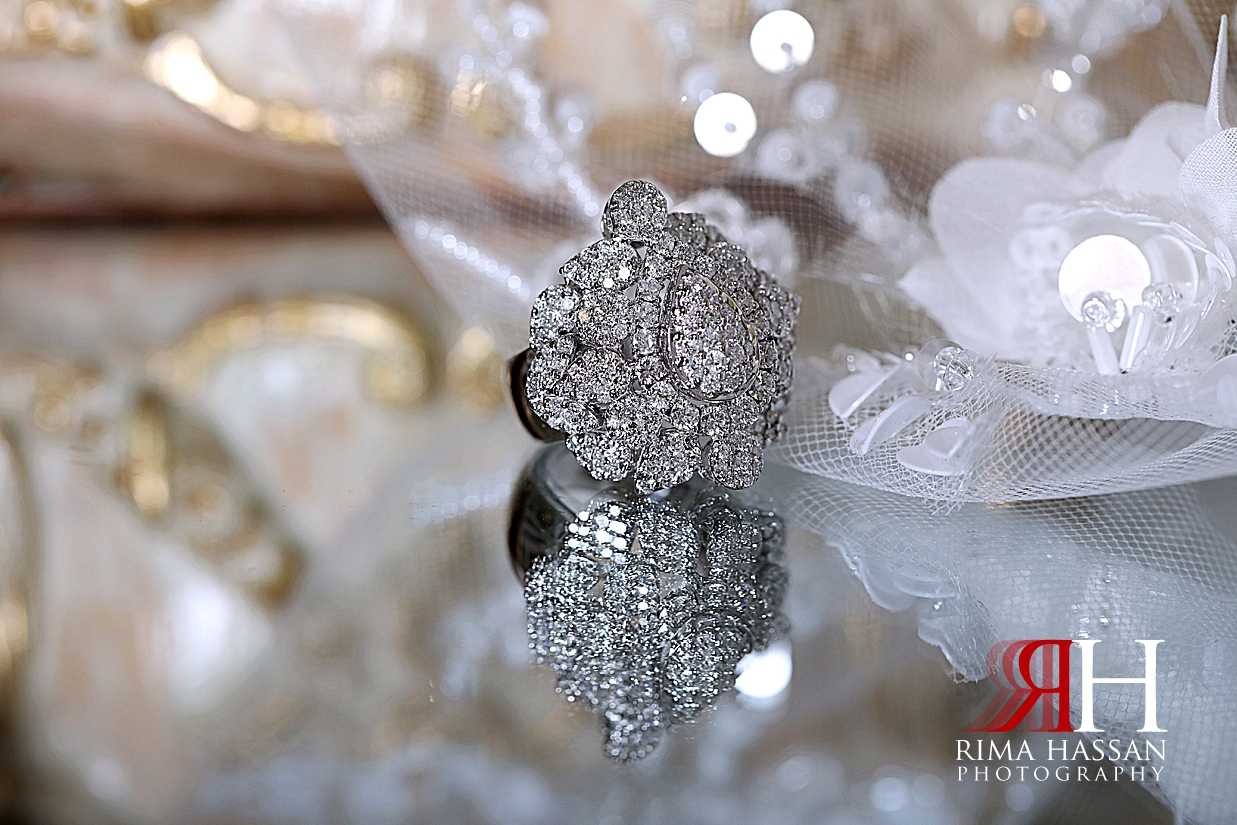 al_ain_khabisi-hall_wedding_female_photographer_rima_hassan_bride_jewelry_ring