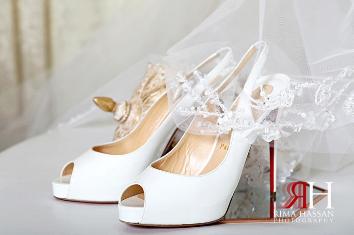 al_ain_khabisi-hall_wedding_female_photographer_rima_hassan_bride_shoes_louboutin