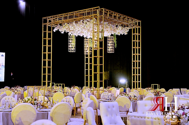 al_ain_khabisi-hall_wedding_female_photographer_rima_hassan_kosha_stage_decoration_chandeliers