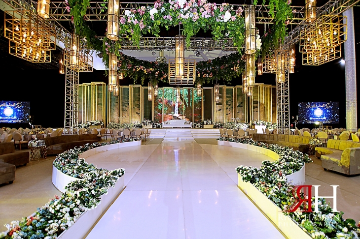 al_ain_khabisi-hall_wedding_female_photographer_rima_hassan_kosha_stage_decoration_luxury