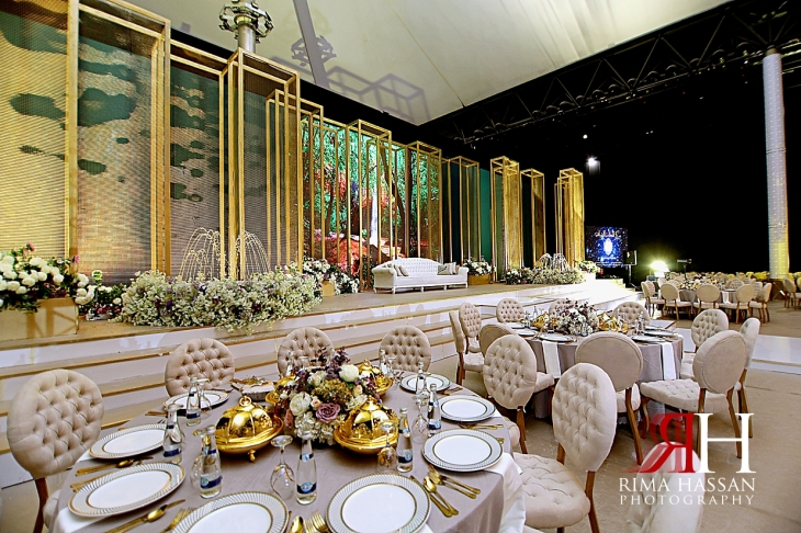 al_ain_khabisi-hall_wedding_female_photographer_rima_hassan_kosha_stage_decoration_tables