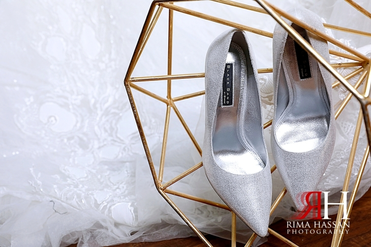 Al_Ain_Hili_Wedding_Female_Photographer_Rima_Hassan_bride_shoes_dune