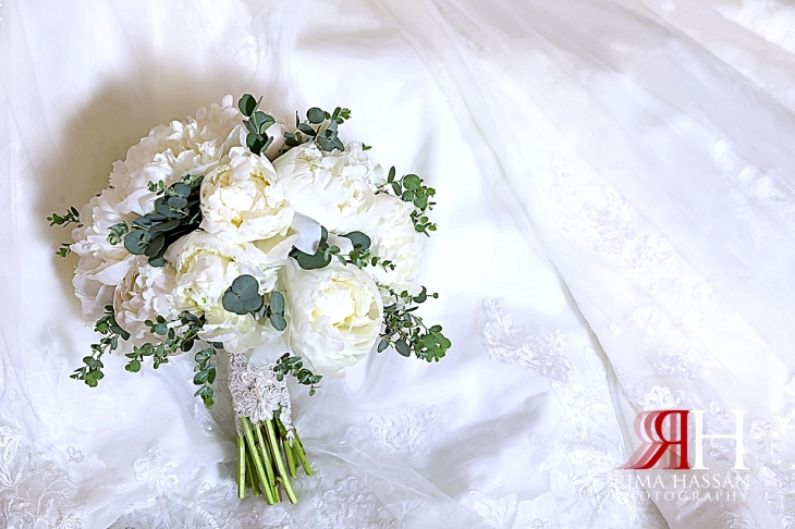 Jawaher_Sharjah_Wedding_Dubai_Female_Photographer_Rima_Hassan_bride_bouquet_tulip