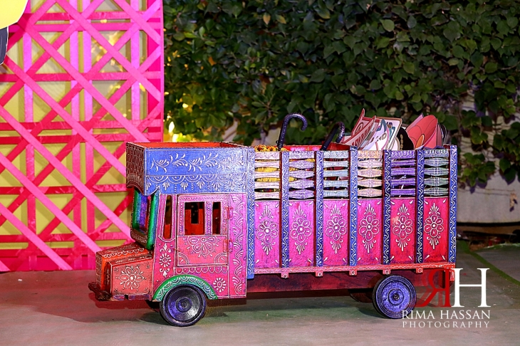 Pakistani_Dholki_Dubai_Female_Photographer_Rima_Hassan_photobooth_signs