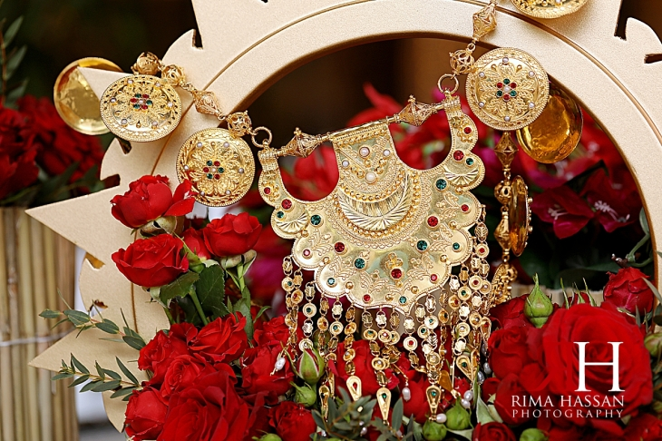 Arabic_Night_Dubai_Female_Photographer_Rima_Hassan_bride_necklace