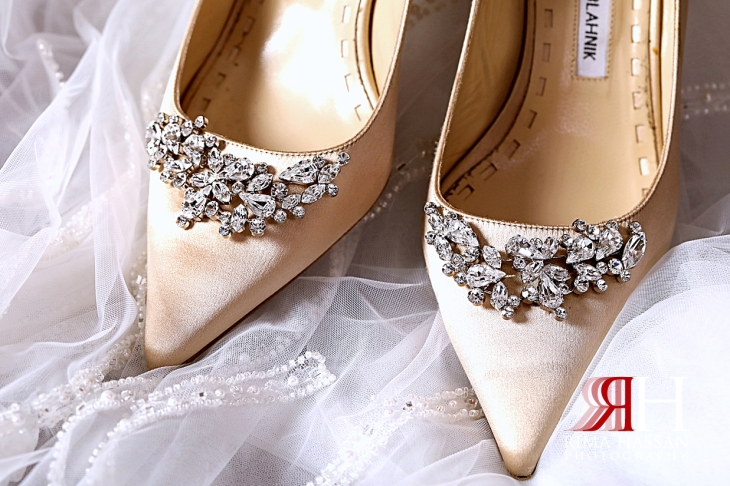Grand_Hyatt_Dubai_Wedding_Female_Photographer_Rima_Hassan_bride_shoes_manolo