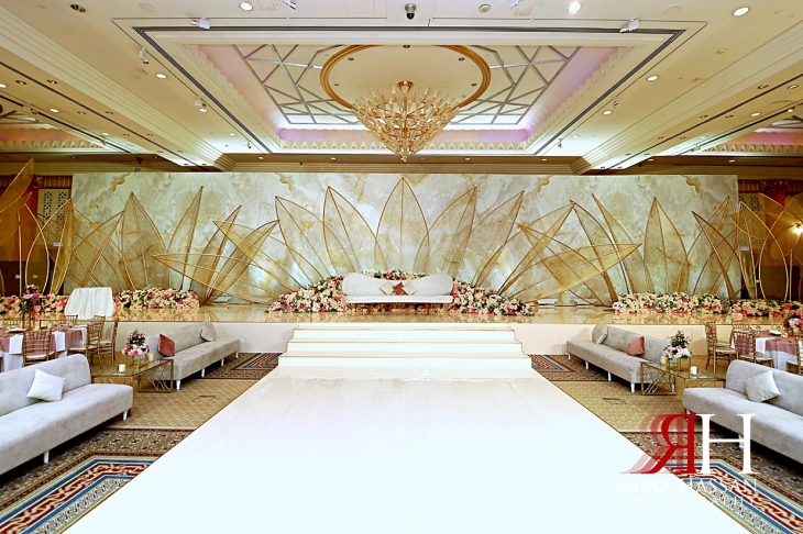 Grand_Hyatt_Dubai_Wedding_Female_Photographer_Rima_Hassan_kosha_stage_dream_decoration