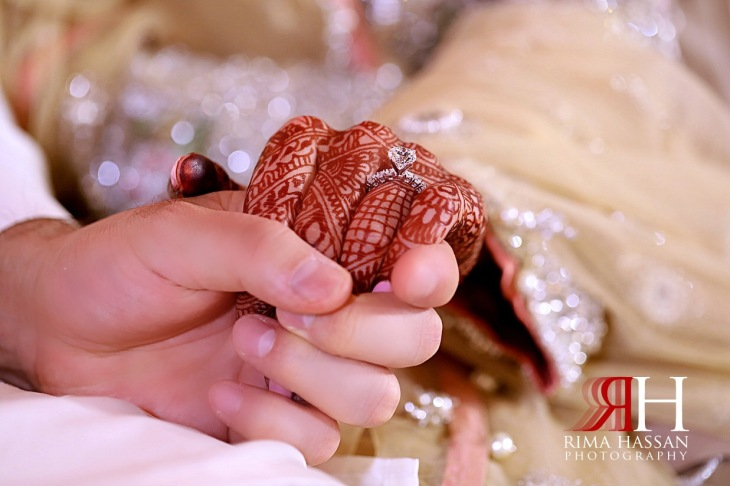 Jumeirah_Pakistani_Engagement_Dubai_Female_Photographer_Rima_Hassan_holding_hands