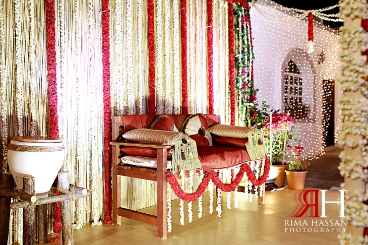 Indian_Themed_Dubai_Henna_Female_Photographer_Rima_Hassan_stage_kosha_decoration_mogra_flowers