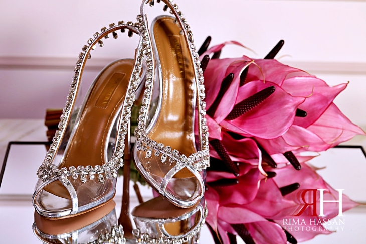 Palazzo_Versace_Wedding_Dubai_Female_Photographer_Rima_Hassan_bride_shoes_moz_flowers