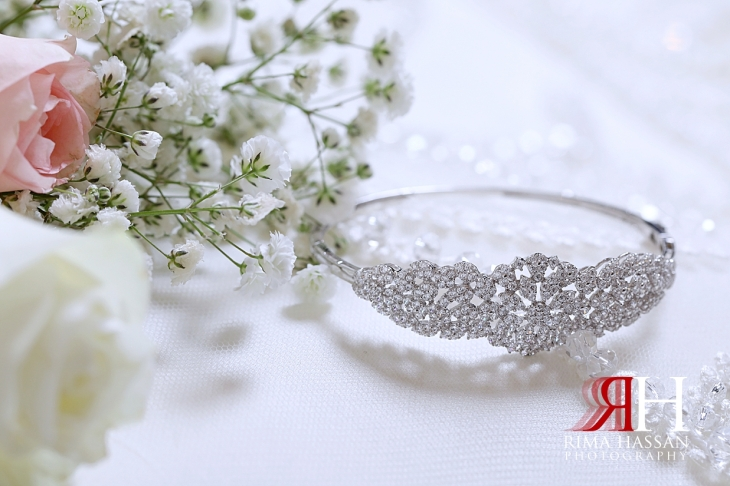 Barsha_Dubai_Wedding_Female_Photographer_Rima_Hassan_bride_jewelry_bracelet
