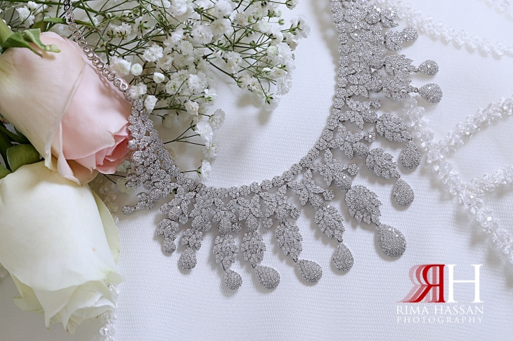 Barsha_Dubai_Wedding_Female_Photographer_Rima_Hassan_bride_jewelry_necklace