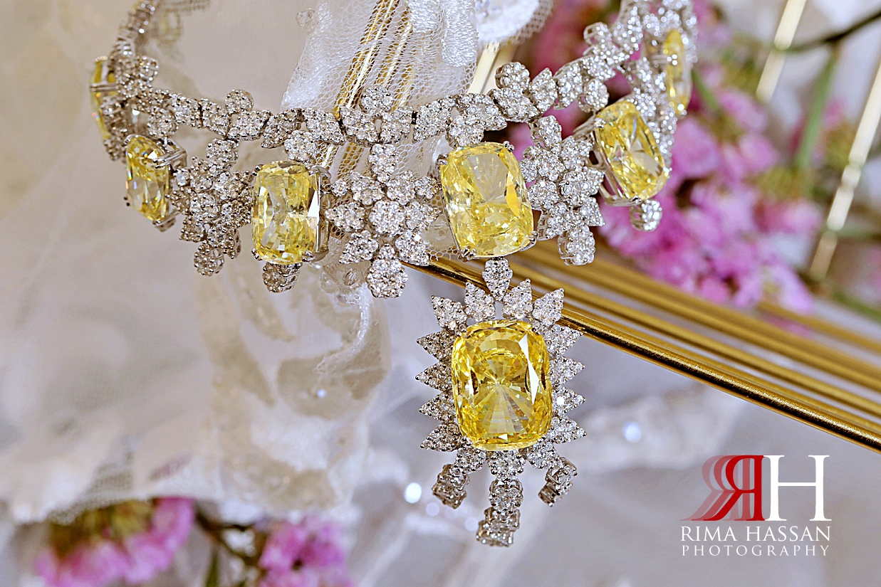 Barsha_Hall_Wedding_Dubai_Female_Photographer_Rima_Hassan_bride_jewelry_diamond_necklace
