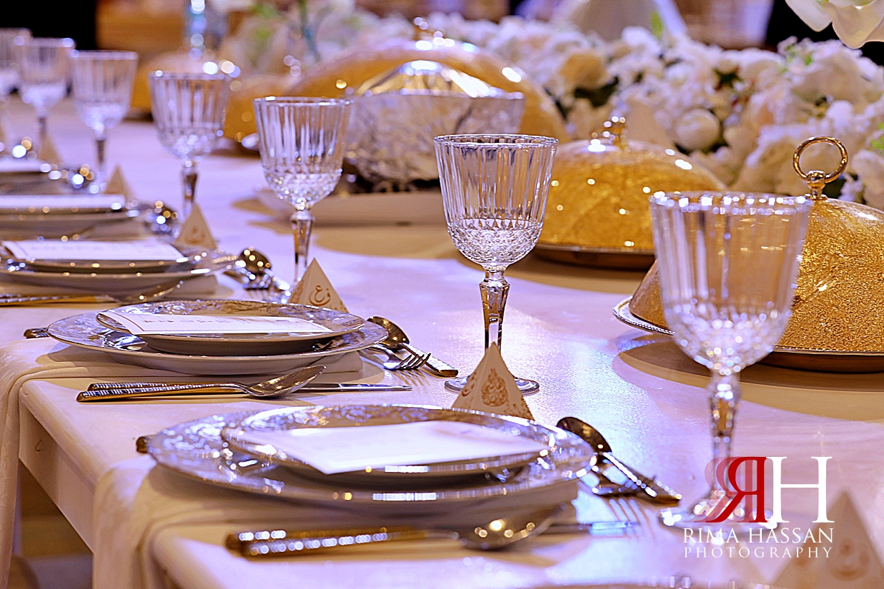Barsha_Hall_Wedding_Dubai_Female_Photographer_Rima_Hassan_stage_kosha_decoration_table_setup