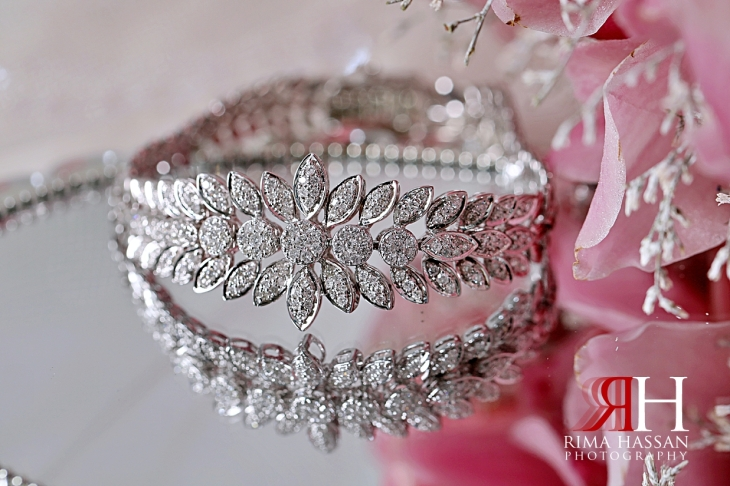 Al-Ain_Wedding_Dubai_Female_Photographer_Rima_Hassan_bride_jewelry_bracelet